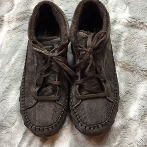 Sketchers relaxed fit brown moccasin booties 8 1/2